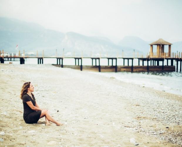 portrait photo shoot by the beach