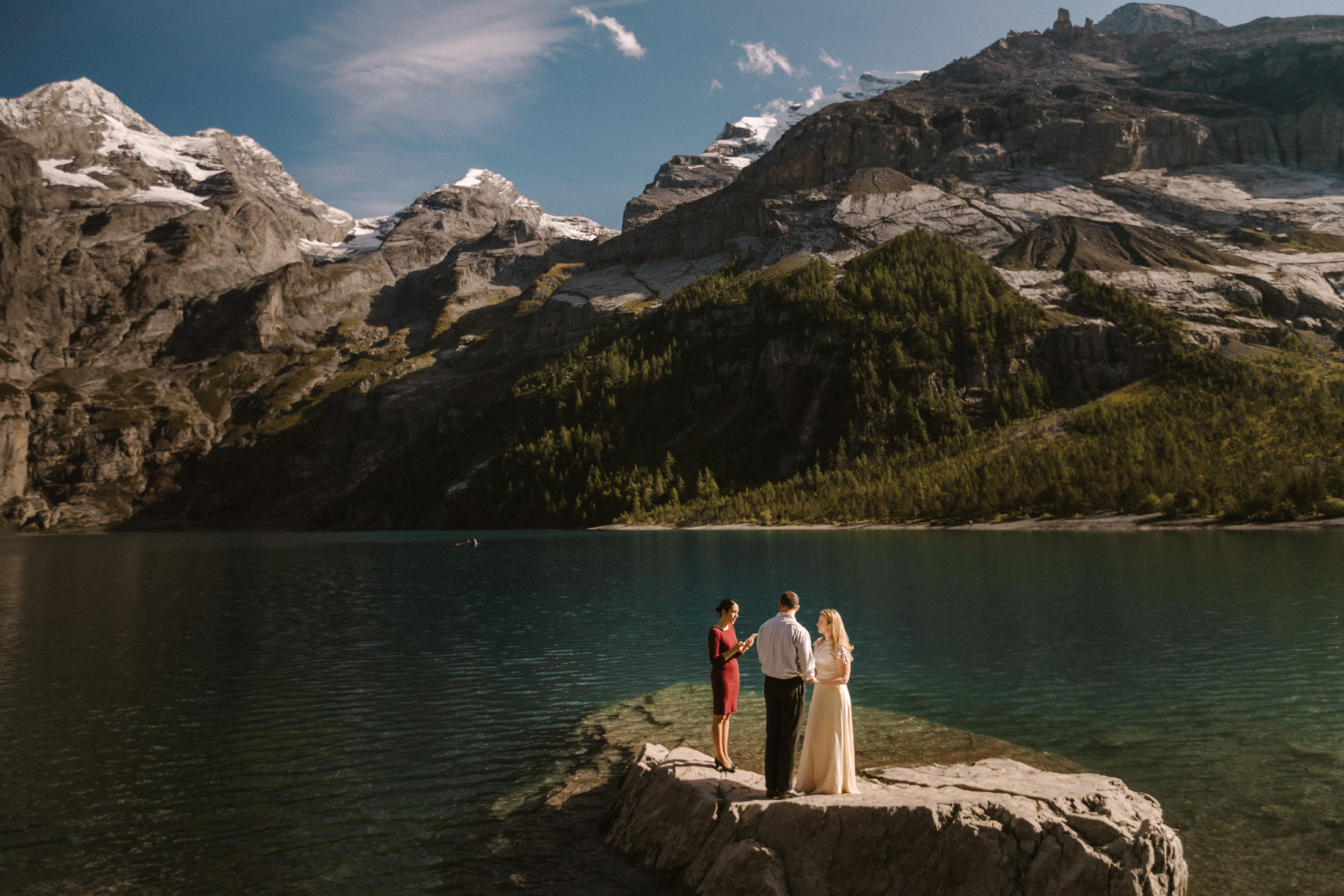 elopement-oeshinensee-switzerland_bendik-photography_featured